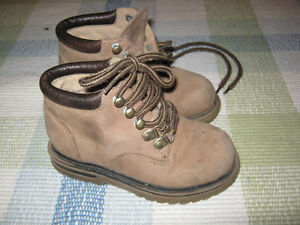 Leather Gymboree fall boots (size 9)