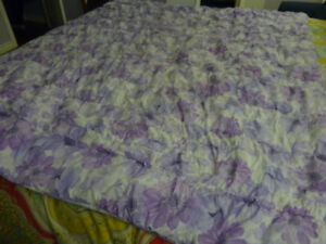 For Sale - Twin Size Comforter - Lavender Floral