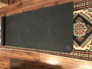 Lululemon Yoga mat- black