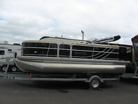 REALLY NICE SOUTH BAY PONTOON HERE @