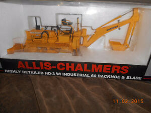 1/16 scale allis chalmers hd3 industrail 60 backhoe and blade Kitchener / Waterloo Kitchener Area image 1