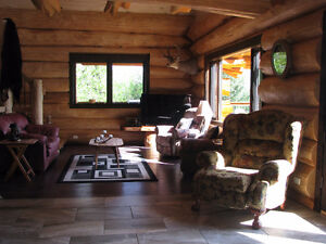 Spectacular Custom Built Pioneer Log Home in 150 Mile House Williams Lake Cariboo Area image 4