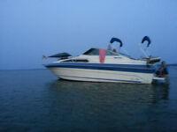 Sea Ray 268 Weekender with single 454/330 hp Mercruiser