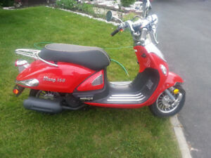 2013 GAS SCOOTER 150 CC NOW 1800 Make an offer has to go!