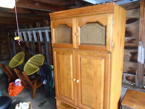 Solid maple hutch-classic vintage
