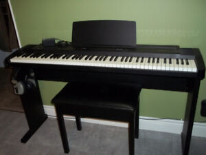 ROLAND EP-9 DIGITAL PIANO / SYNTHESIZER