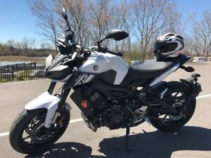 BARELY USED!!! 2017 FZ-09 1000kms