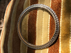 DIAMOND ETERNITY BANGLE CUSTOM MADE FILEGRIE DETAIL