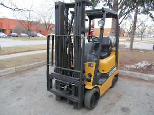 Caterpillar Forklift 3500 LB Capacity 3Stage Mast & Side shift