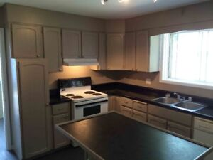 AFFORDABLE SUMMER SUBLET -  GREAT LOCATION