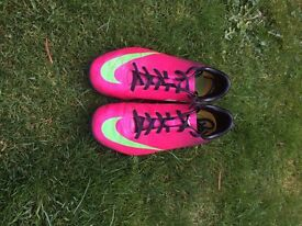 Size 5 Nike mercurial football trainers pink/purple