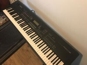 Synth | Find Deals on Guitars 🎸, Pianos 🎹 & Other Musical