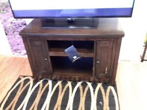 *** NEW *** ASHLEY GARLETTI TV STAND   S/N:51217388   #STORE548