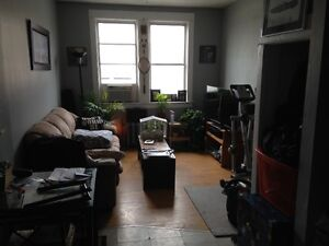 Quaint Bachelor Suite available at 219 High St Moose Jaw for Dec
