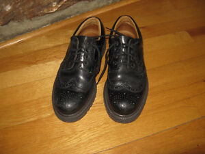 Chaussures pour homme ALDO grandeur 41 (ou 8.5) made in Italy.