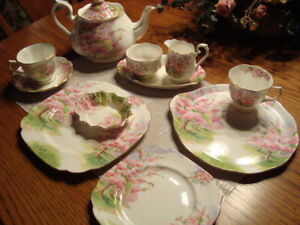 BLOSSOM TIME ROYAL ALBERT CHINA SET