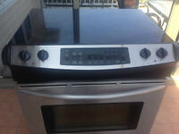 Frigidaire Electric Stove