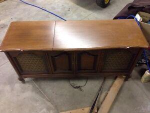 Antique Philips record player/ radio  cabinet unit   Kingston Kingston Area image 3