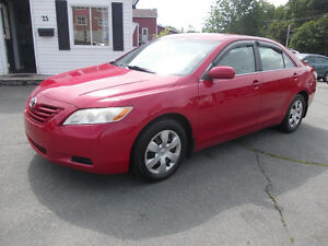 2007 Toyota Camry LE VERY SHARP Runs excellent RELIABLE CAR