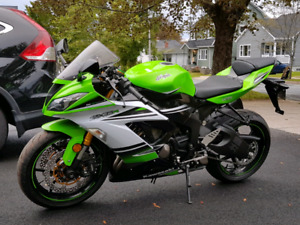 2015 zx6r with low kms and factory warranty