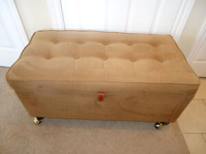 Hope Chest or blanket hamper