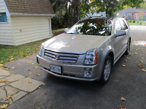 2005 Cadillac SRX SUV, Crossover  AWD excelent winter driving