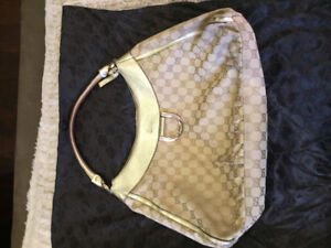 Authentic pre loved Gucci D-Ring Abbey monogram handbag