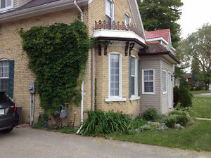 Spacious One Bedroom plus Den $1000 Stratford Kitchener Area image 1