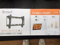 "TV wall bracket 32""-55"" Brand new in box"