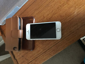 I phone 5 s in a very good condition