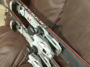K2 Apache Crossfire ski set - only used 6 times!