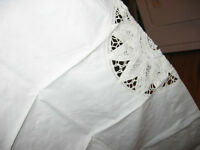 Cotton/Lace Table Cover