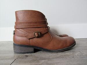 AÉROPOSTALE Brown Boots