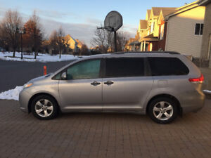 Impeccable Toyota Sienna 2012