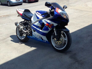 VENTE/ECHANGE ***SUZUKI GSX-R 750 2000 CONDITION IMPECCABLE***