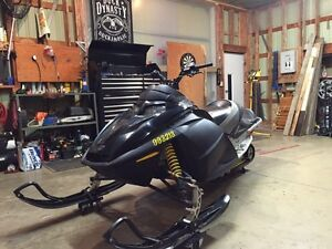 04 skidoo 600ho trail pass included  London Ontario image 5