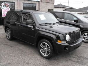 2008 JEEP PATRIOT  LOADED  SUNROOF  119 KMS  FRONT WHEEL DRIVE..