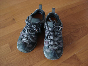 Merrell sporty shoes London Ontario image 1