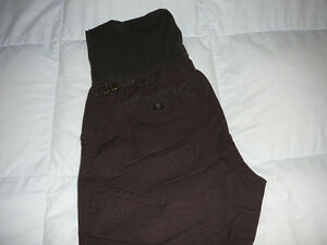 "Pantalon de maternité ""GAP""."