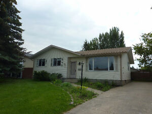 Beautiful bungalow for rent in Morinville