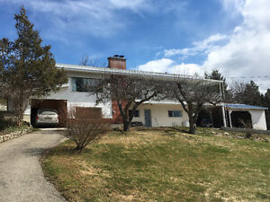 Classic Home on 1/2 acre View Lot in Beautiful Creston BC !