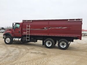 2005 International Allison Auto Grain Trucks