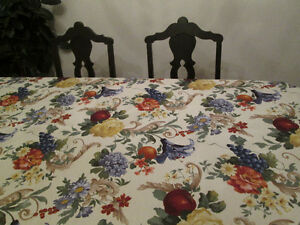 Flower Print Tablecloth and Napkins.