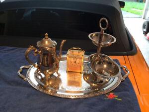 Antique cafétière et autre objet
