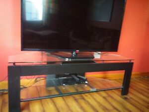Glass TV Stand Stratford Kitchener Area image 1