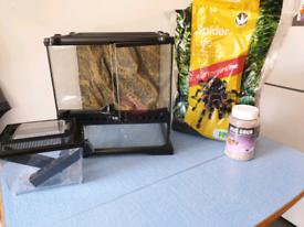 Extra Terra glass terrarium & cricket pen