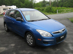 Like New 2009 Hyundai Elantra Wagon. Low KMs.  TRADES
