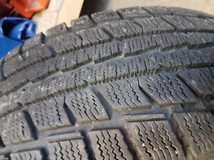215/70/15 Dunlop winter tires