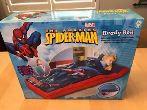 Marvel Spideman inflatable bed with pump