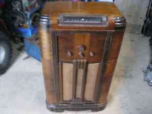 Rogers Majestic antique tube radio